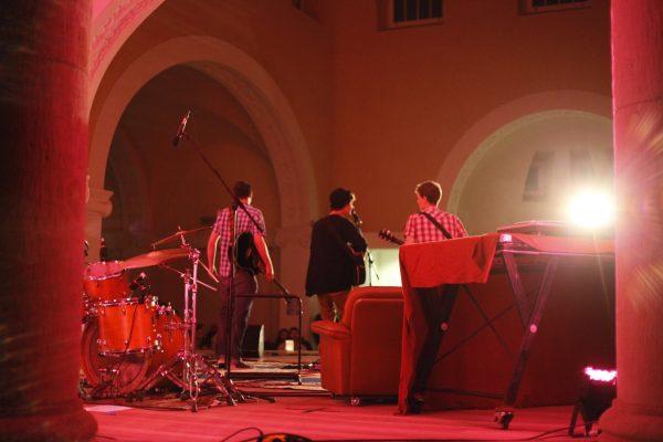 Foto der Singer-Songwriter-Band Strandheizung beim KleinKlang-Festival Eisenach 2014. Foto: Hagen Ebrecht.