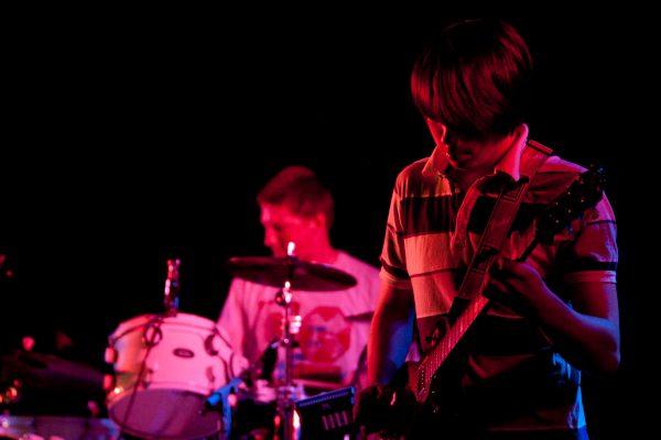 Auftrittsbild der Singer-Songwriter Band Strandheizung von 2011. Foto: Strandheizung.