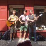 Foto der Singer-Songwriter-Band Strandheizung auf ihrer Sommer-Tour 2014 in Erfurt.