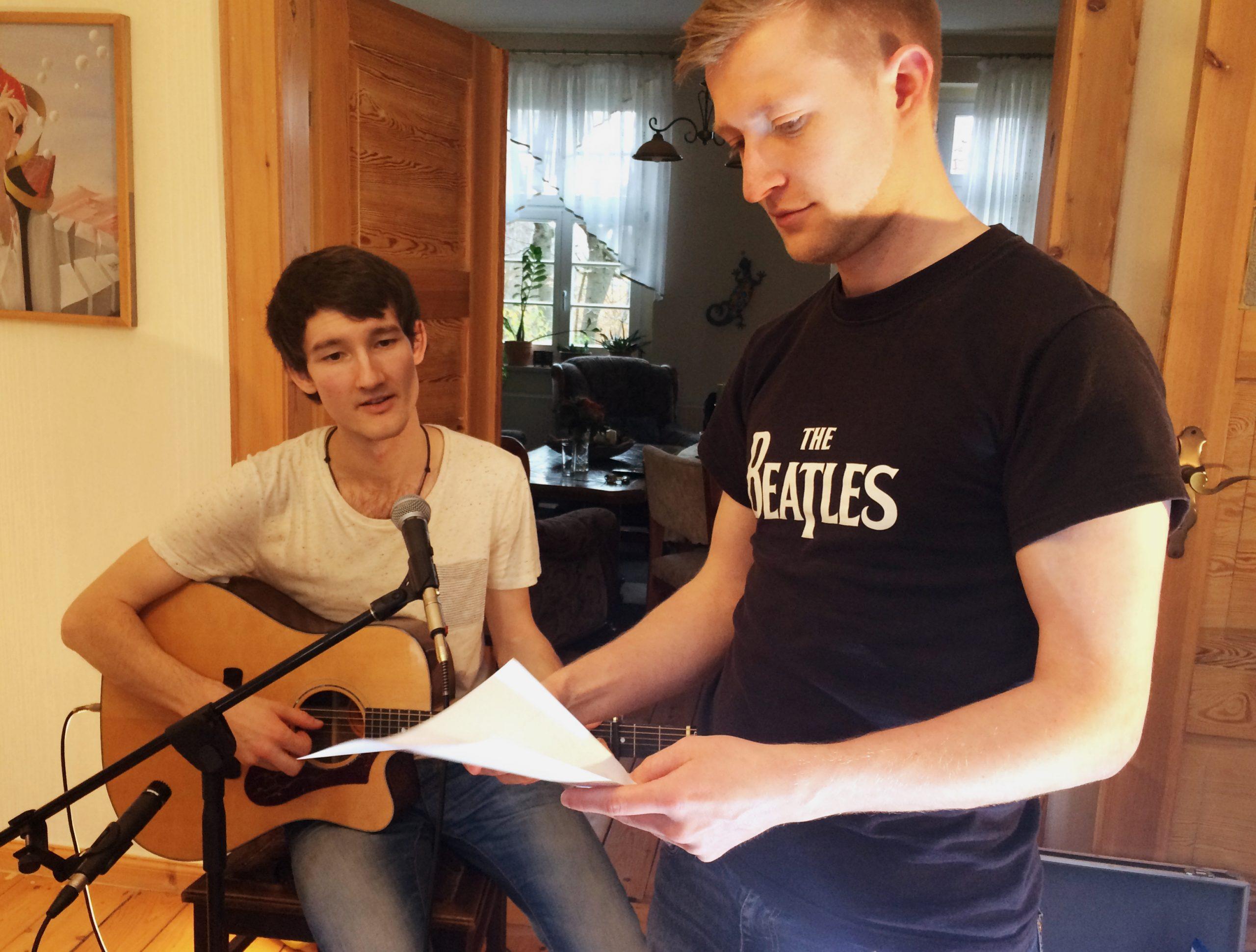 """Foto vom Videodreh zum Song """"Du folgst mir"""" der Singer-Songwriter-Band Strandheizung in Weimar 2017"""