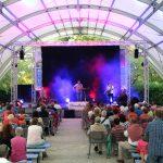 Auftrittsbild der Singer-Songwriter-Band Strandheizung vom Lichterfest Erfurt 2018. Foto: Tomke Koop.